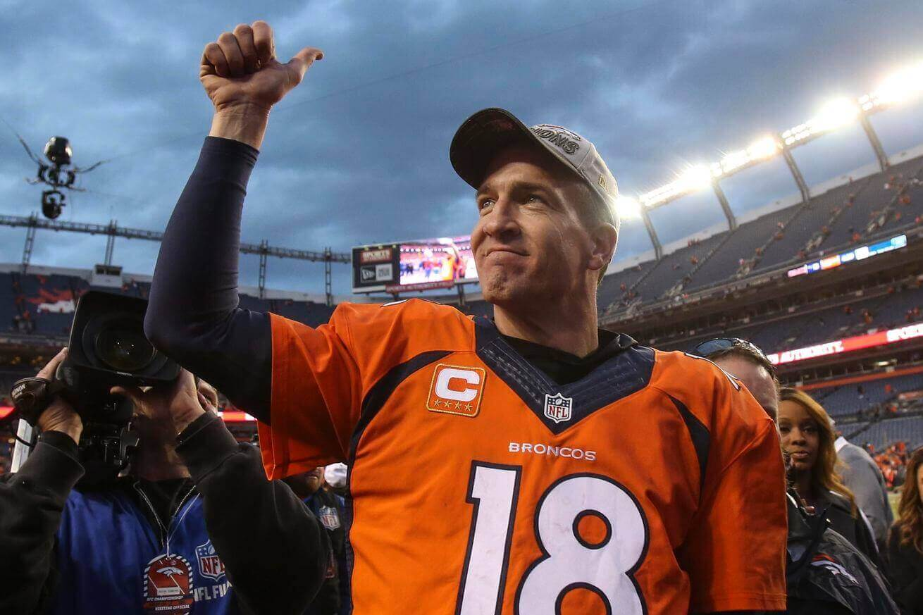 Peyton Manning giving fans the thumbs-up