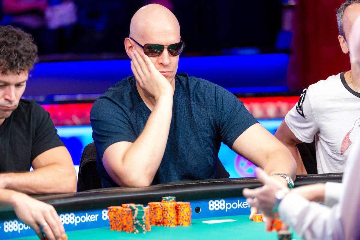 Poker player vs sports betting vitoria setubal vs benfica betting tips